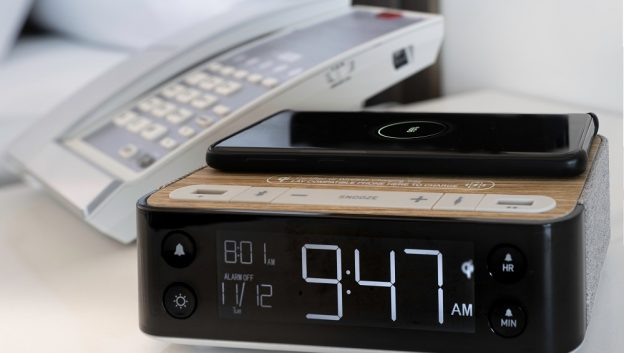 iHome Radio with Wireless Phone Charger