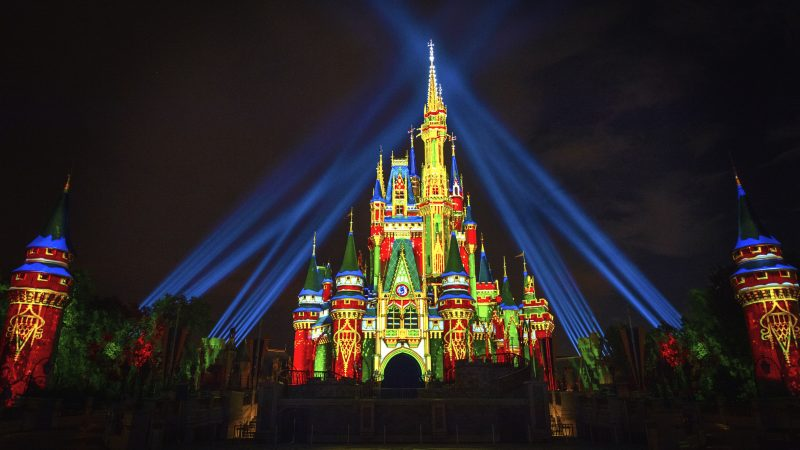 ENJOY HOLIDAY MAGIC AT WALT DISNEY WORLD